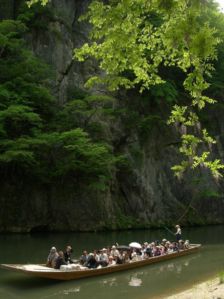 猊鼻渓の舟下り春
