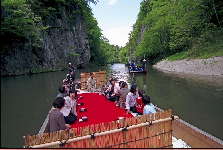猊鼻渓の舟下り春2